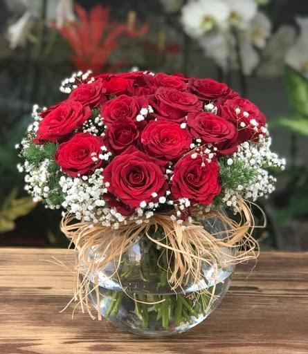 Cam fanusta 20 adet güller